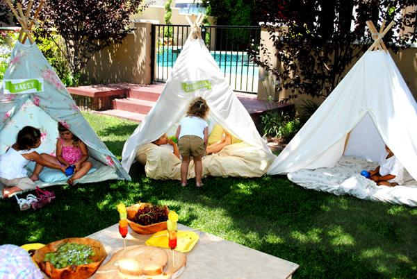 teepee_retreat_party_teepee_making_v3