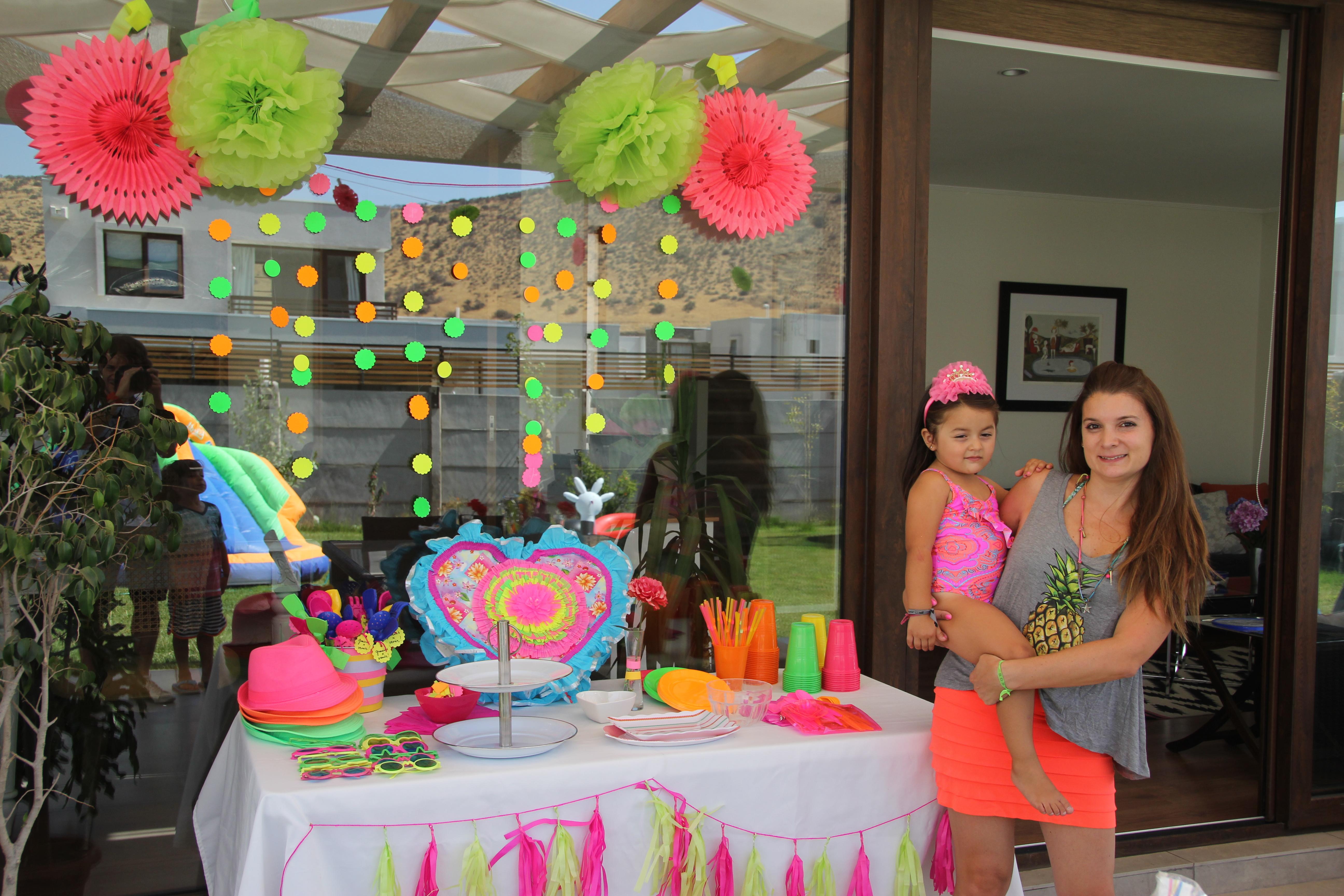 Cumpleaños Neón Accesorios Y Piñata Simplechic Deco