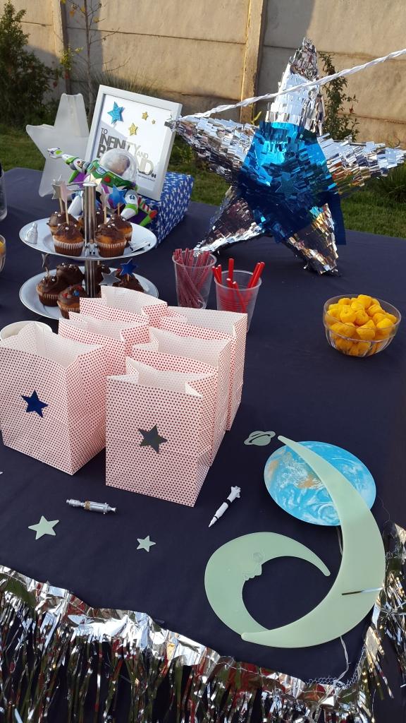 mesa4 cumpleaños estrellas